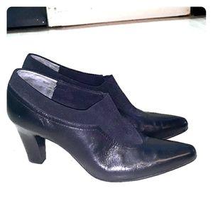 Bandolino black leather ankle booties sz 9